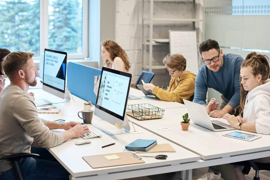 Office staff using SaaS for document management